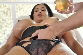 Strapping Boobs Cougar Milf Ava Addams Oiled Apropos Massage Roger