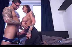 Squint FRANCAIS - Cute curvy dabbler Heidi Van Horn-mad first hardcore porn