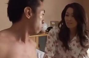 Asiatisch japanische Misrender will den Schwanz yon ihr haben